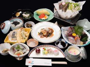 HOTEL RIVIERA ししくい:*【夕食(一例)】地元漁港で獲れた海の幸や、徳島グルメをお召し上がりくださいませ