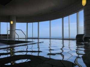 大洗シーサイドホテル -絶景部屋食の宿-:海の見える大浴場は15時からご利用いただけます。