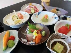 旬の宿 ニセコグランドホテル:和食膳料理イメージ旬の食材をご堪能ください
