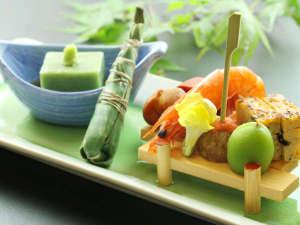 王地山公園 ささやま荘:四季折々の美しい料理をご提供いたします★