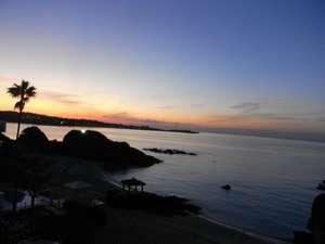 ホテルみゆきビーチ:12月の夕暮れは空気が澄んでて空の色がとてもキレイ(・v・)