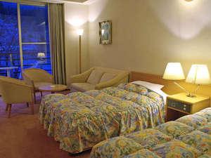 東山温泉メイプルプラザ:【洋室メゾネット】ゆったりとしたモダンなお部屋です