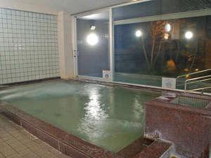 東山温泉メイプルプラザ:温泉基準の3,3倍のラドンを含有する東山名水の冷鉱泉を使った温泉です
