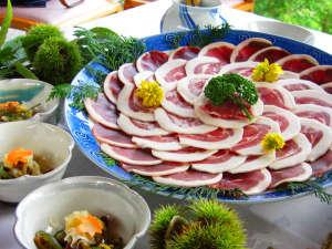 東山温泉メイプルプラザ:冬だけの味・ぼたん鍋♪みんなでほっこり冬鍋タイム