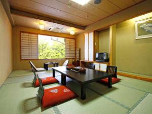 プラザホテル山麓荘:純和風の寛ぎスペース。乳頭温泉の源泉と共にゆったりご利用くださいませ。