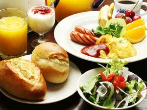 石窯ピッツァのおいしい宿 フラワーガーデン:【朝食】朝は特製のワンプレートご飯を食べて、元気にいってらっしゃい!!