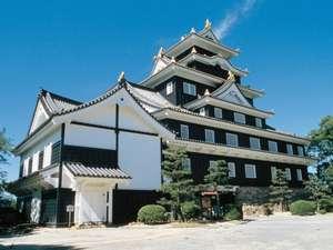 岡山城:当ホテルから徒歩20分。車で5分。