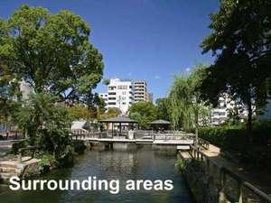 周辺&観光:画像は当ホテル前にある西川緑道公園。川沿いの遊歩道は朝の散歩にもオススメ!