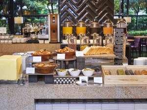 【朝食】各種パン
