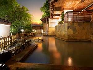 伊香保温泉 雨情の湯 森秋旅館:露天風呂【雨情の湯(うじょうのゆ)】名湯 黄金の湯(こがねのゆ)を贅沢に掛流ししております。