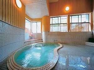 朝夕個室食と貸切風呂の宿 花巻台温泉 松田屋旅館:貸切風呂【紅梅の湯】をはじめ、3か所のお風呂を自由に何回でも貸切で入浴できる。
