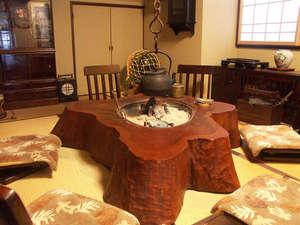 間垣の里 田中屋旅館:【1階談話スペース】旅の語らいをお楽しみください。
