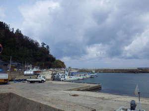 間垣の里 田中屋旅館:目の前は港!ダイビングや釣りの方には船を斡旋いたします。