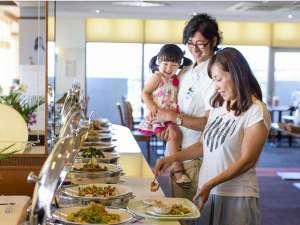 かねひで恩納マリンビューパレス:和・洋・琉球料理が約50種類!!夜景を見ながらおいしいバイキングをお楽しみ下さい☆