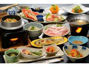 旅の宿 斉川:郷土料理プランの夕食例♪熱々のほたてや海鮮釜飯もご堪能