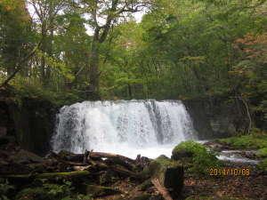 旅の宿 斉川:奥入瀬渓流の中の「調子大滝」