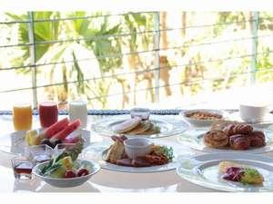 ホテルマハイナウェルネスリゾートオキナワ:和・洋・中・琉すべてをお楽しみいただくため、多彩なメニューを取りそろえました。
