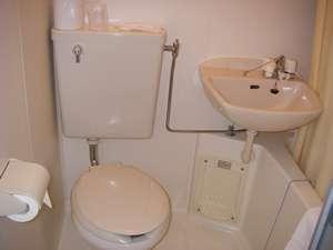 ビジネスホテル レガート:お風呂はユニットバスですが、ホテルの近くに銭湯がございます