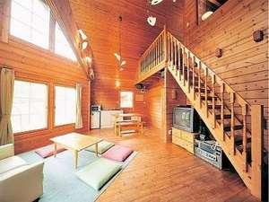 サンタハウスGETO:A棟室内 木の香り漂う自然空間