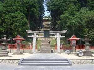 ホテルグランドパレス塩釜:格式高き奥州一之宮・鹽竈神社。広く武運長久の神として祀られています。