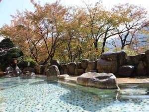 下呂温泉 望川館(ぼうせんかん):紅葉を眺めながら秋を体感♪下呂の名湯が冴える季節です。