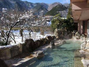 下呂温泉 望川館(ぼうせんかん):雪見風呂の大浴場露天風呂(男性)