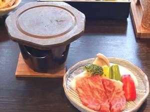 阿蘇の「溶岩焼き」阿蘇山の溶岩で作ったプレートでジュージュー!美味♪