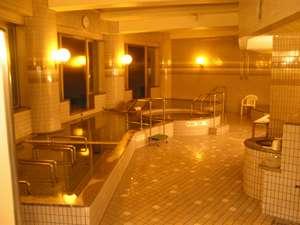 体の芯まで温まる大浴場