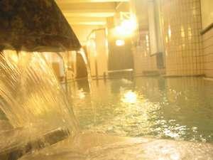 """うらかわ優駿ビレッジAERU(アエル):ブラックシリカ使用の""""神天石の湯""""でポカポカ。"""