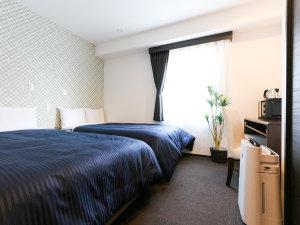 ホテルリブマックス南橋本駅前:ツインルーム。シモンズ製ベッド