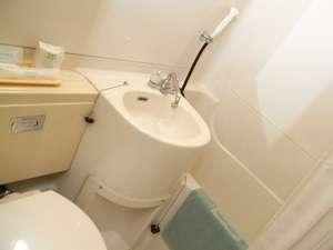 ユーキホテル:【バスルーム】清潔さを心がけております。