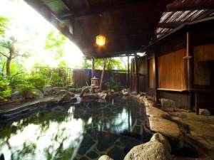 別府旅館 湯元美吉:趣きのある露天風呂