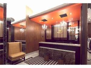 アパホテル<八丁堀駅南>:1階フロント・ロビー