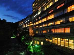 水上館 山と渓流に抱かれた15湯の温泉宿の写真