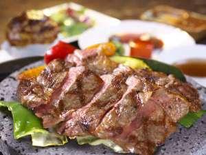 5つの貸切風呂の湯宿 きんだいペンション:上州牛の石焼ステーキコースは人気ナンバーワン!柔らかジューシーなお肉をご堪能ください