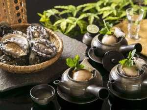 ホテル川久:【王様のビュッフェ2018夏】エゾ鮑の土瓶蒸し