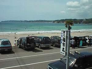 房総御宿町 海辺の漁師民宿 第八福市丸:宿は、目の前がすぐ海岸です!オフシーズンも、さわやかにお散歩してください。