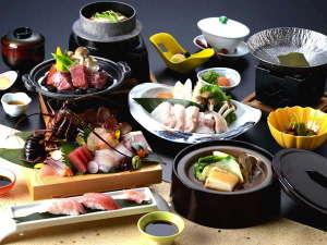 串本ロイヤルホテル:全てが主役の贅沢会席。串本鮪、クエ、鮑、伊勢海老、熊野牛など自慢の食材をご用意(写真はイメージ)