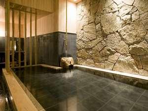 ホテル川六エルステージ高松:地元の庵治石と檜のコラボレーション
