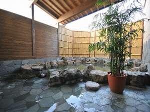 ホテル輝泉荘:露天風呂