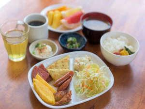 ホテルパティーナ石垣島:朝食ビュッフェ・メニューは日替わり☆