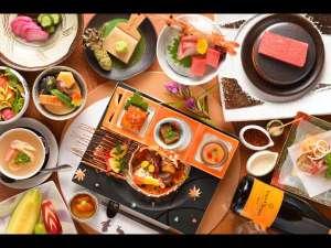 游泉志だて:夕食一例 器と旬の素材にこだわった創作会席料理を個室ダイニングでご用意いたします。