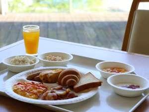 ホテル シーパラダイス イン:朝食無料サービス実施中♪ホテル2階のレストランにてシーパラの景色を眺めながらお召し上がりください♪