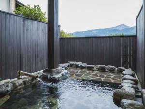 露天風呂付離れの宿  旅館みな和:【施設】あそ望タイプ客室は阿蘇の絶景を眺めながらお風呂をお楽しみいただけます