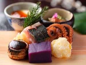 御料理旅館 親和苑 (杜の隠れ家):【夕食】冬会席前菜