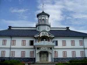 【旧開智小学校】松本城から徒歩5分、重要文化財に指定されている趣きある建物。