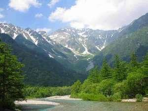 【上高地】松本市内より約1時間45分、大自然の癒しが待っています♪