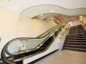 フロント・ロビーは2階にございます