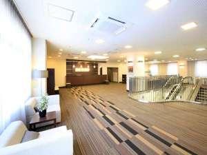 落ち着いた雰囲気のロビー・フロントは2階にございます