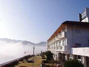 大自然の静寂と天然自噴温泉を愉しむ湯宿 亀山温泉ホテルの写真